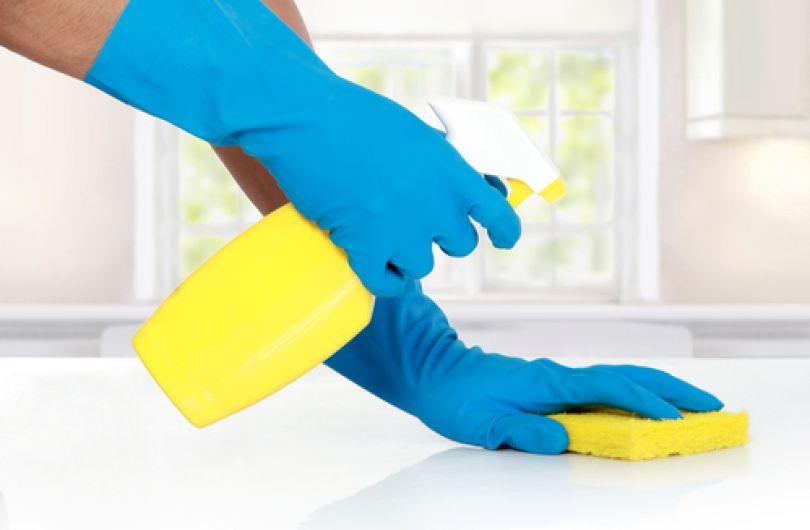 Как да почистите гъбичките в банята